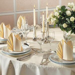 serwetki i nakrycie stołu